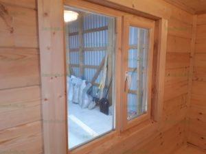 Деревянное окно 800х800 со стеклопакетом